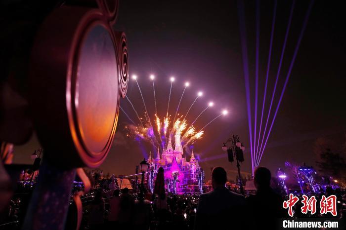 上海迪士尼开启五周年庆典活动